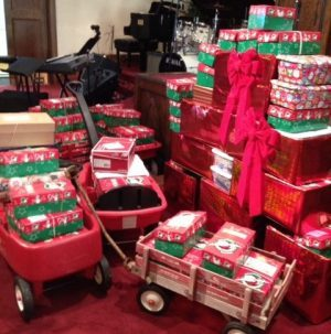 our church family was thankful on sunday as our children worked with ms missy and mr perry to receive and present operation christmas child shoeboxes - Christmas Shoebox